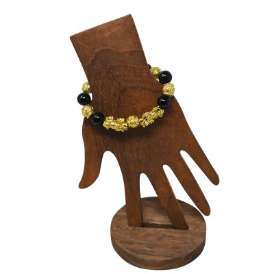Feng shui bracelet with black obsidian and lion pendant